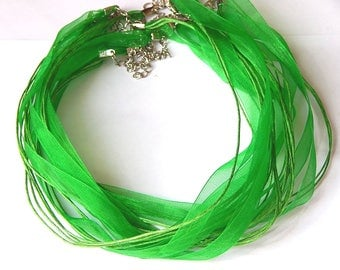 1 green organza necklace with lobster clasp 47cm