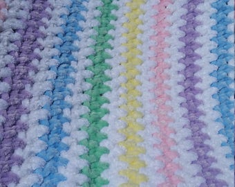 Super soft rainbow baby throw