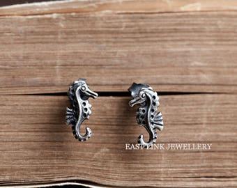 925 Silver 3D dedicated detailed seahorse earrings stud pierced earrings 1 pair animal earrings