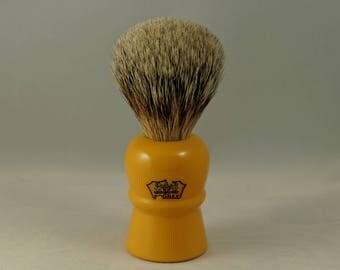 Near Mint Rooney Butterscotch Keyhole Best Badger Shaving Brush; Made in England