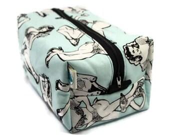 Boxy Bag Cosmetic Bag Dopp Kit Toiletry Bag Travel bag Makeup Bag in Pin-Up Girls
