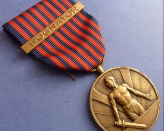 Original Belgium WW2 Medal Volunteer Service Medal With Scarce Combattants Bar.