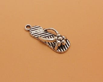 1 charm antique silver tong, size 26 x 10 mm