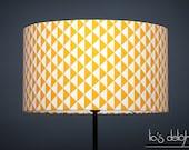 Abat jour géométrique scandinave triangles jaune 35 cm