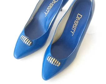 """CHRISTMAS in JULY SALE Royal Bright Blue Diversity """" Tootsie"""" Style Leather Pumps / Women's size 7 1/2- 8 Us / Vintage Shoes / Hollywood Chi"""