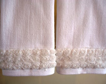 SHABBY ROSE Fingertip/Guest Towels (2) White Velour 100% Cotton New Custom-embellished