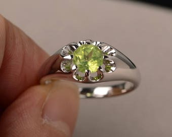August Birthstone Anniversary Ring Natural Green Peridot Ring Round Cut Gemstone Ring Sterling Silver Ring Solitaire Ring