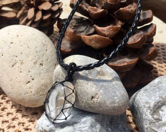 Crystal Quartz - Necklace - Handmade - Macrame - Jewellery - Healing - Stone