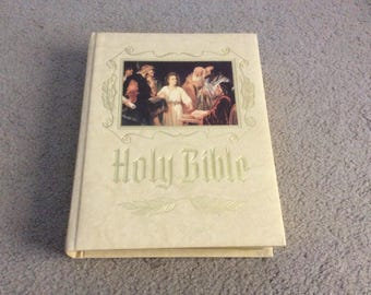 Family HOLY BIBLE King James Version Red Letter EDITION ~ Heirloom Colorful Pictures