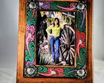 Western Hand Painted Leather Frame - Western Leather Frame - Rustic Leather Frame - 5x7 Western Frame - Leather Frame - Painted Frame