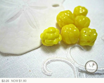 ON SALE Vintage Czech Glass Yellow Berry Beads Yellow Vintage Beads Czech Glass Yellow Vintage Berry Czech Glass Beads 10mm (2 pcs) 14V5