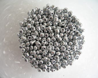 10g seed beads 6/0 (4mm) silver