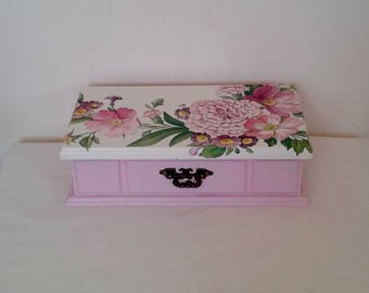 Jewellery box/jewellery storage Decoupaged Floral Pink OOAK