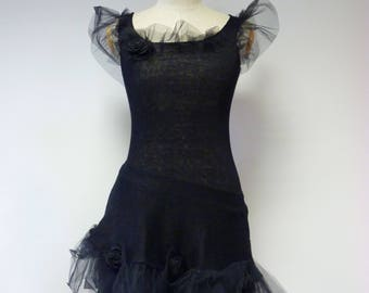 Exceptional black linen dress with tulle, S size. Gothic style,