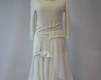 The hot price. Romantic off-white linen dress with tulle, M size.