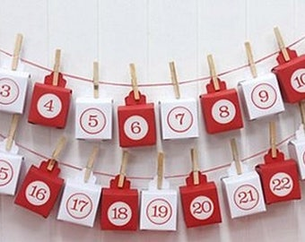 Calendar, advent wreath and small boxes