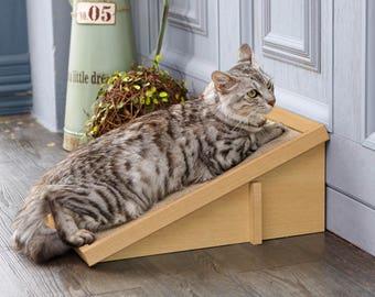 Eco Friendly Cat Scratcher Incline - Natural Cat Scratching Pad with Organic Catnip (PET-SCRA-2-NL)