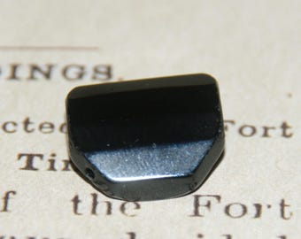 Black onyx faceted 19mm octagonal puck