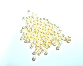 30 ROUND BEADS HAS FACETED WHITE BEAD FINE 5 MM DIAMETER