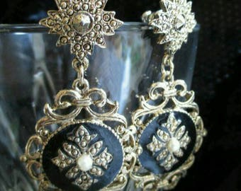Victorian long dangle faux Pearl marcasite Earrings gold tone gold tone black enamel  filigree earrings, black pierced Starburst elegant