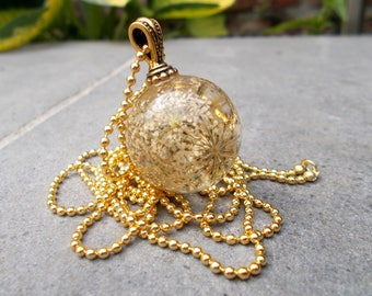 Transparent polyester and dried flowers resin Ball pendant