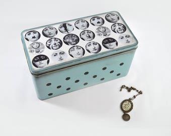 Decorative tins inspired Fornasetti