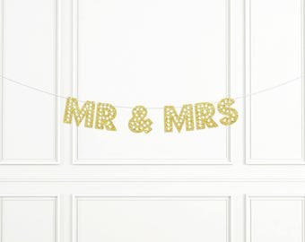 Mr & Mrs Banner, Mr and Mrs Glitter Banner, Wedding Day Banner, Wedding Decor, Head Table Banner, Wedding Photo Banner, Wedding Chair Signs