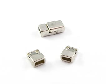 Silver color rectangular 1 magnetic clasp