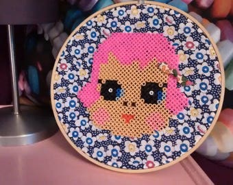 "Vintage decor... ""Doll Fuchsia"" diameter 20 cm embroidery hoop."
