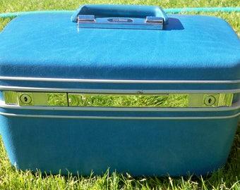 Samsonite Contour train case, small luggage, overnight bag, blue small luggage, mirrored luggage