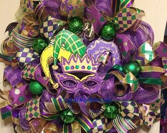 Jester Mask Wreath, Mardi Gras Deco Mesh Wreath, Jester Mardi Gras Wreath, Coins Bead Feather Wreath, Fat Tuesday Decor, Whimsical Mardi