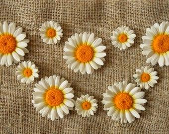 Daisy bead flower polymer clay chamomile beads chamomile pendant daisy jewelry daisy charm daisy earrings daisy bracelet wedding jewelry