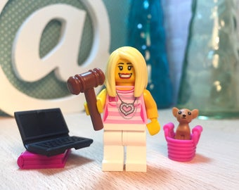 Legally Blonde Lego® Elle Woods and Chihuahua Bruiser Film Art Gift Set
