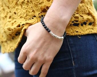 Black Beaded Bracelet, Wavy, Boho Bracelet, Dainty Gold Bracelet, Matte Black Beads, Delicate Bracelet, Silver Black Bracelet, Boho Chic