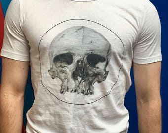Skull t-shirt design for men and women.