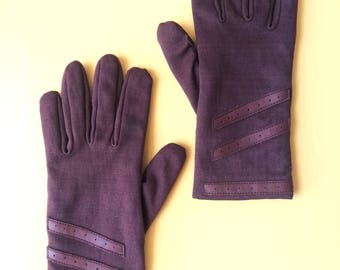 90s Plum Driving Gloves with Leather Palm Accents