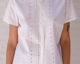 1960s Cotton Blouse/ Mandarin Collar/ Short Sleeves/ Eyelet Embroidered
