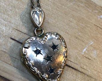 Heart locket necklace vintage