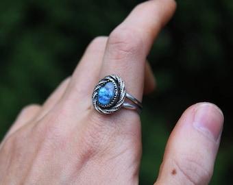 SALE - Labradorite Sterling Silver Ring // Size 8.25