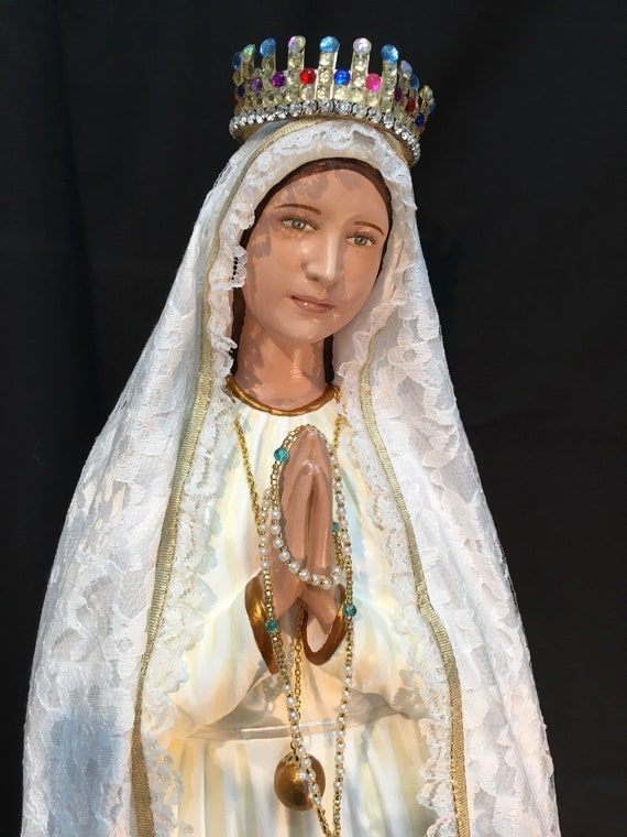 """Our Lady of Fatima Pilgrim Virgin 26"""" Patronage: The Holy Rosary and for Purity of Mind, Heart, Body and Soul"""