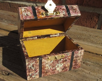 Keepsake Treasue Chest Jewel Box