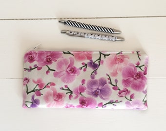 pencil case floral / large pencil case / pencil holder fabric / makeup brush holder / pink pencil case / pencil pouch / flowers zipper pouch