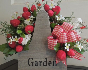 Wooden Handles Garden  Box Strawberries Floral Arrangement Centerpiece