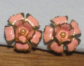 Vintage Pink Enamel Flower Goldtone Screwback Earrings