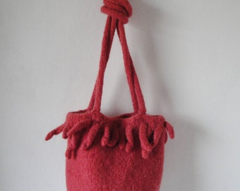 coral pink felt bag, wool shoulder-bag, knitted felt purse, alpaca-mix handbag, fun and funky purse, fringed felt bag, felted wool purse