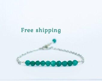 Emerald green bracelet, Emerald green jewelry, Green agate bracelet, Dainty bracelet for small wrist, Emerald colored jewelry