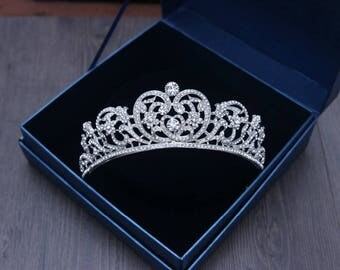 Heart wedding tiara Heart bridal diadem Swarovski Bridal Tiara Wedding Tiara Diamante Crown Cubic Zirconia Tiara Wedding Accessories