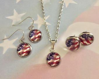 US Flag Cabochon Necklace,Flag Necklace Pendant,Flag Charm Necklace,Patriotic Necklace,Patriotic Jewelry,Fly To Me,flytomeshop,Karen Minkel