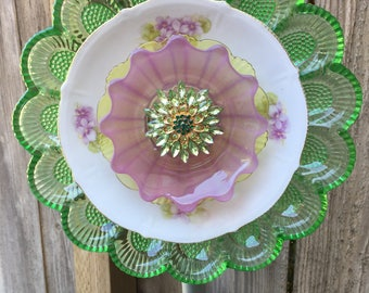 "Plate Flower, Vintage Glass, Garden Decor ""Wisteria"""""