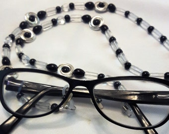 3 EYEGLASS NECKLACES - Lot of 3 Necklaces for 24 U.S. Dollars